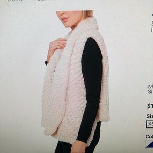 Love token faux fur vest. Size xs